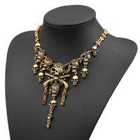 Wholesale 2015 Fashion punk woman Style Silver Pirate Skull Cluster Rhinestone Bib Necklace