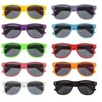 wholesale designer lots - 2015 Fashion Classic Style Sunglasses For Men Women Brand Designer Sun glasses Gafas Oculos de sol