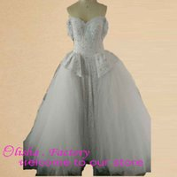 Cheap shiny appliques with beads ball gown wedding dresses sweetheart neckline lace up back real photo tull gowns