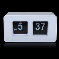 Wholesale Digital Retro Auto Flip Clock Classic Stylish Modern Desk Wall Clock White Black H9444