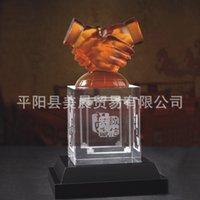 Cadeaux d'affaires bureau souvenirs de la culture d'entreprise gros cristaux artisanat handshake logo peut être personnalisé
