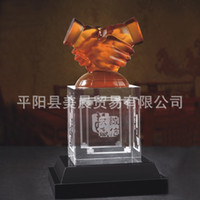 Wholesale Corporate business gifts office culture souvenirs crystal handicraft handshake logo can be customized