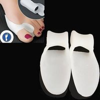 Wholesale Silicone Gel Foot toe Separator Feet care Foot Care Tool Thumb valgus protector Bunion adjuster Pain Relief Straighten bent toes