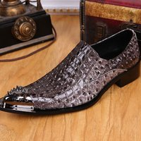 alligator shoes - New Arrival Fashion Crocodile Pattern Men Moccasins Alligator pointed toe rivets Shoes For Men Loafers Designer Leather Shoes