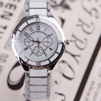 Cheap 12pcs lot Charming Metal Round Dial Watch With Steel Band Genmtlemen's Quartz Wrist Watch SW266