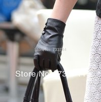 Wholesale lady s wrist three small buttons style top quality goat leather gloves