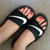 ladies slippers - Nike Benassi Swoosh Sandal Shoes Mens Womens Ugly Shoes Lady Shower Sandals New Trendy Slippers Scuffs Classic Black White Slipper