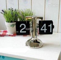 Wholesale HOT SELL Retro Modern Metal Scale Digital Auto Flip Single Stand Metal Desk Table Clock Auto Flip Clock Black
