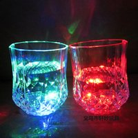 beer coasters - 100pcs High Quality Christmas LED Flashing Bottle Coaster Sticker For Drinks Glasses For Night Club And Bars Beer Party Decoratio