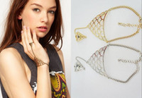 Wholesale Vintage Net Metal bracelet slave hand chain bracelet with finger ring and extender chain