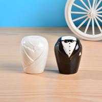 Wholesale Cheap Price Wedding Favors Party Decoration TUXEDOS Salt Pepper Shaker Favor Gift F0028