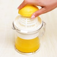 Wholesale 400ml Healthy Manual Fruit Juicer Mini Plastic Lemon Lime Orange Stem Sprayer Juice Maker Squeezer Blender Machine Kitchen Tools