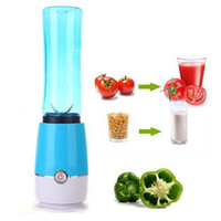 Wholesale Hot Shake Take Mini juicer Juice mixer Perfect for smoothies A3
