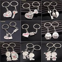 Wholesale Carton Personalized Keychain Favors Zinc Alloy Lover s Favors Keys Advertising Gift Wedding Favours Keyrings for YZT