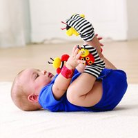 baby reptiles - 4000pcs New arrival sozzy Wrist rattle foot finder Baby toys Baby Rattle Socks Lamaze Baby Rattle Socks and wristb