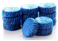 Wholesale magic Toilet cleaner spirit fragrant ball blue green bubble cleaning toilet cleaner