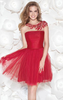 Wholesale 2015 New Red Homecoming Dresses Crew Neckline Cap Sleeve A Line Beaded Sequined Ruffles Tulle Lace Short Prom Gowns Hot Sales H005