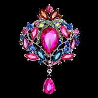 Wholesale Luxury Rhinestone brooches crystal flower drop charm brooch lapel pins women banquet party statement jewelry Christmas gift color