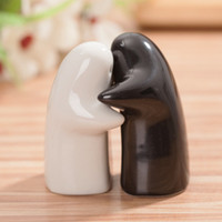 Cheap Black and white hug Salt Pepper Shakers 100SET=200pcs wedding favor party birthday gift children guest gift present