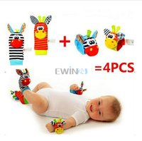 Wholesale Hot Selling Lamaze Style Wrist Rattle and Socks Toys Donkey Zebra set wrist socks