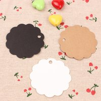 Wholesale 500pcs stock New latest round flower shape cm kraft blank clothes or garment hangtag
