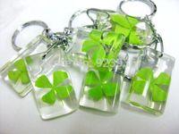 Wholesale clover bracelet Lucky Shamrock Clear Four Leaf Clover Keychain clover keychain keychains personalized