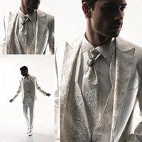 al por mayor trajes de novia-Los juegos nupciales por encargo del novio del juego de los nuevos de la manera de la manera del cordón del diseño del cordón / la chaqueta Jacket + Pants + Vest + BowTie del smoking hacen a mano por encargo hermoso