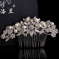 Wholesale New Arrival Vintage Crystal Ornament Beaded Pearls Handmade Bridal Tiaras With Silver Alloy Hair Comb Hair Accessories Headwear