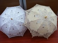 Wholesale In stock hot selling Charming white lace bridal Parasols ivory wedding Umbrella appliques shelterwood Bamboo handle bridal accessories