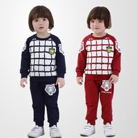 Cheap new arrival 2015 spring autumn baby clothing 100% cotton children clothing set coat+pants baby set plaid baby boy clothes