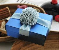 cardboard gift boxes - New Arrival Wedding Candy Favor Boxes Blue with Lavender Flower Ribbon Beautiful Cardboard Boxes Gift Box Favors High Quality Hot