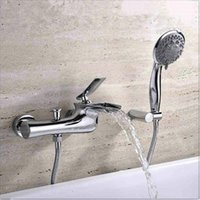 Wholesale to tap Christmas Brass Construction Chrome Finished Wall Mounted Bathtub Faucet placa led