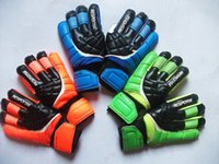 Wholesale New Latex goalkeeper gloves and Guarantee latex gloves with Finger Prodection Soccer gloves football gloves