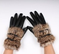 Wholesale Hot Sale Leather Gloves for Women Faux Rabbit Fur PU leather Five Fingers gloves Fashion Thicking Hasp Short design fur women glove