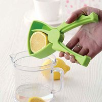 Wholesale Home Hand Citrus Orange Squeezers Lemon Presser Mini Fruit Squeezer Juice Juicer Kitchen Accessories