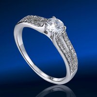 Cheap Fashion Accessories Jewelry White Gold Plated Austria Crystal Hearts Big CZ Diamond Promise Rings for Women Midi stacking ring