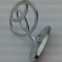 Wholesale Toyota Chrome Hood Stand Car Styling Badge Emblem Metal Sticker for Corolla Avensis Camry Yaris Rav4 Prius Hilux