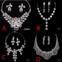 Wholesale Cheap Bridal Jewelry Sets Silver Crystal Pendants Necklaces and Drop Chandelier Clip Rhinstone Earrings Fashion For Party Prom Sale Under