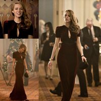 Wholesale Chic Burgundy Velvet Blake Lively Red Carpet Celebrity Dresses Jewel Neck Sexy Plunging Cutaway Sides Sheath Evening Gowns with Short Sleevs