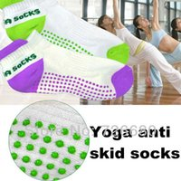Wholesale Natural Anti pilling Anti skidding Anti microbico Breathable Eco friendly Sport Exercise Yoga Socks