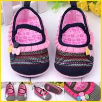Wholesale Baby Girls First Walker Shoes New Kids Cotton Fabric Shoes With Flower Edge Kids Soft Bottom Anti Slip Shoes Toddler Spring Autumn Footwear