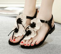 Wholesale Lady Sandals Flip Flop Sandals Slippers Genuine Leather Stereo Flowers sandals Soft Outsole Flat Heel Lady Sandals