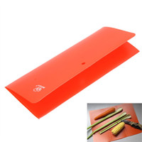 Wholesale Ultra light Outdoor Camping PP Plastic Folding Cutting Board Portable Kitchen Chopping Board Kitchen Accessory