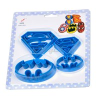 batman chocolate - Superman Batman Bakeware Confectionery Baking Tools for Cakes Decorating Chocolate Mold Cookies Cutter Pastry Tools P3538