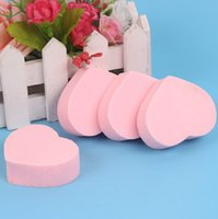 Wholesale Promotion Love Shape Women Cosmetic Tools Brand Makeup Sponge Foundation Soft Puff