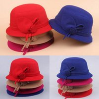 Wholesale New Fashion Women Woolen Cloche Caps Stylish Girl Solid Color Flower Design Vintage Style Bowler Derby Hats EJR
