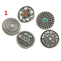 Wholesale ancient silver crystal carved flowers button Noosa Chunks noosa snap buttons DIY jewelry for noosa bracelets necklace earrings