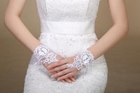 fingerless lace bridal gloves - Hot Sale Ivory Lace Bridal Gloves Fingerless Mitts Wrist Length Stock Bridal Accessories Wedding Glove Bridal Decoration