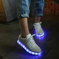 Wholesale New Fashion LED Shoes Seven Light Colors with USB Charge Unisex Lovers Flashing Shoe for Party and Sport White Black Color
