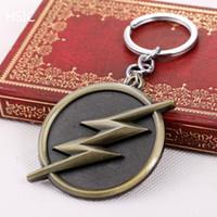 Wholesale HSIC Black Comics Super Hero The Flash Logo Gold Keychains Key Chain Round Metal cm Long Pendants Key Ring for Boys